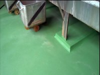 Rough floor covering in food production