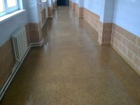 Highly filled coating with marble granite chips, food production corridors