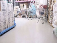 Self-leveling floor in the warehouse of the store