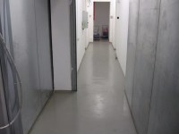 Self-leveling floor in the hallway and domestic premises